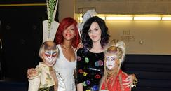 Singers Rihanna and Katy Perry