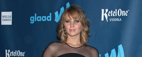 Jennifer Lawrence attends award ceremony