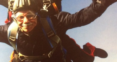 76 year old Ken Lynch skydiving